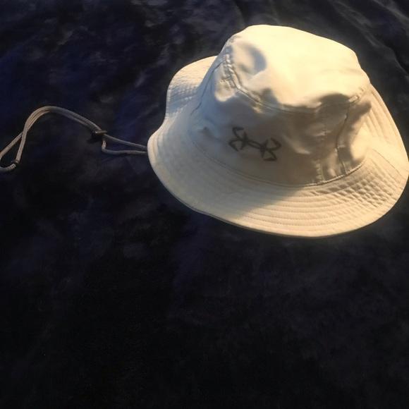 fdd5a1dc927c0 Under Armour Bucket Hat. M 5c19a996e944ba2da757f0d7